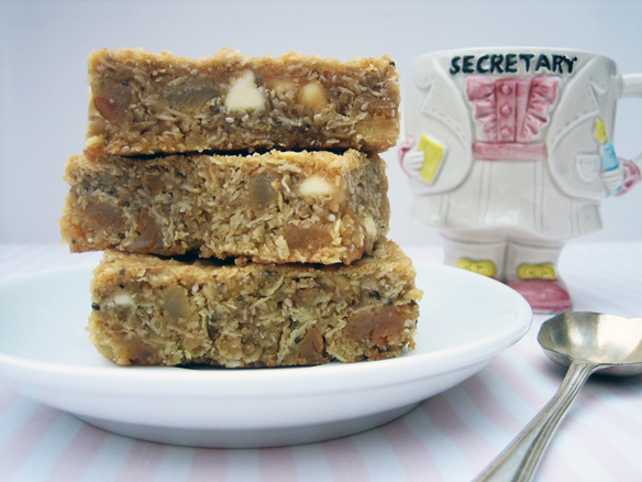 Pear and white chocolate muesli slice
