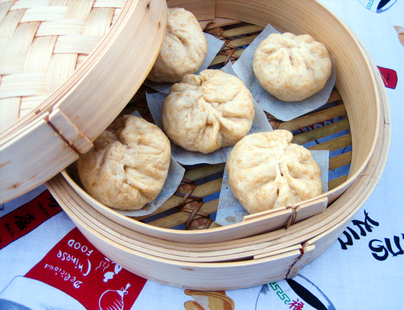 Little steamed wholemeal pork buns
