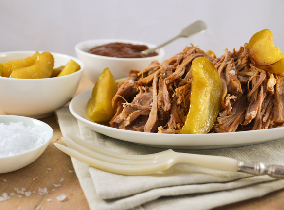 Pulled pork with caramelised apples and BBQ sauce