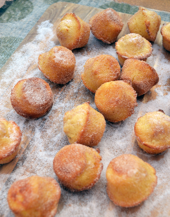 Baked apple coconut donuts