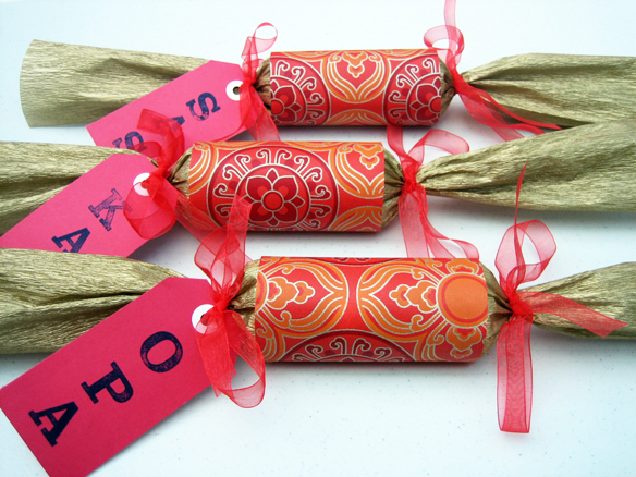 DIY Christmas crackers | one equals two