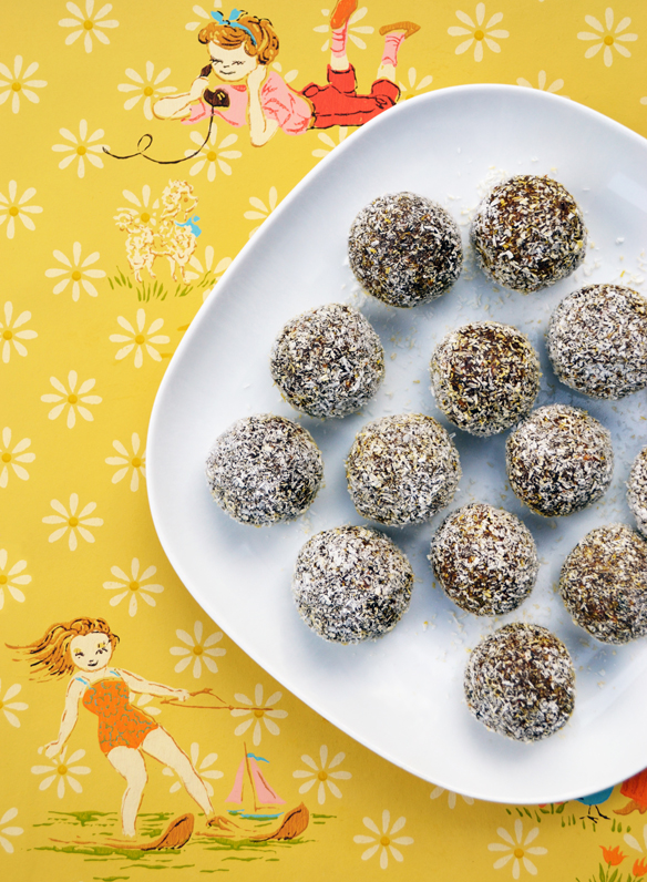 Nut-free chocolate energy balls