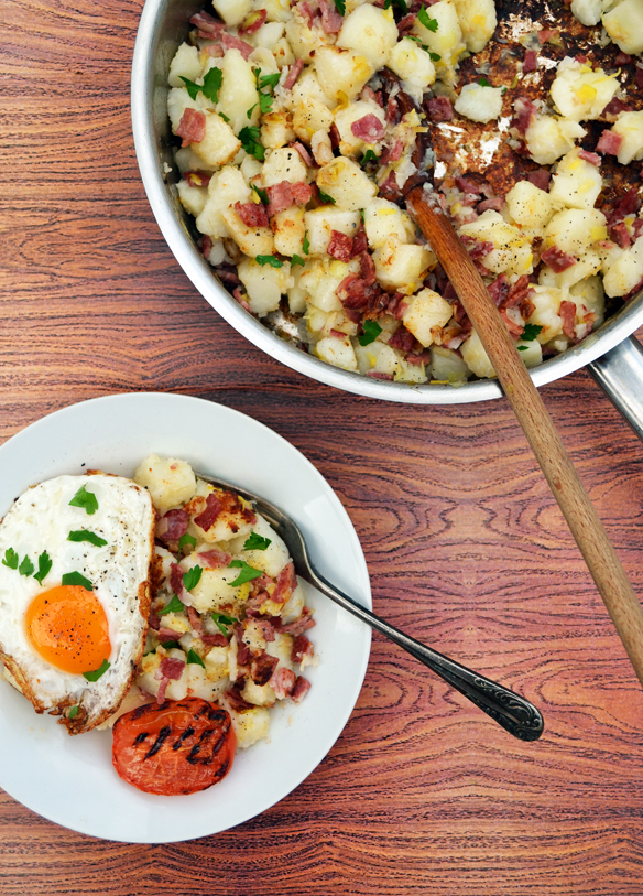Corned beef and leek hash