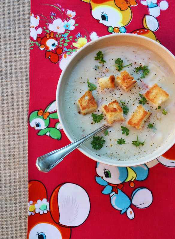 Cauliflower and ham soup